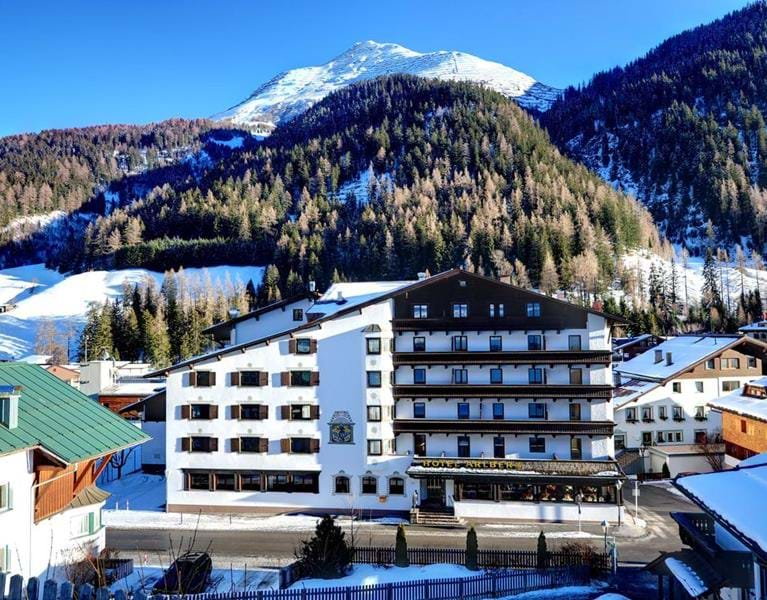 Arlen Lodge Hotel