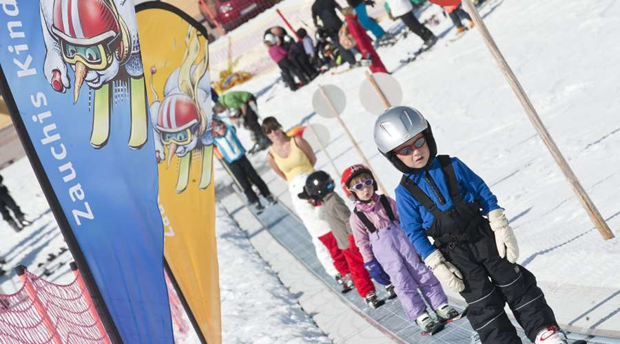 Ski school for the children in Zauchensee