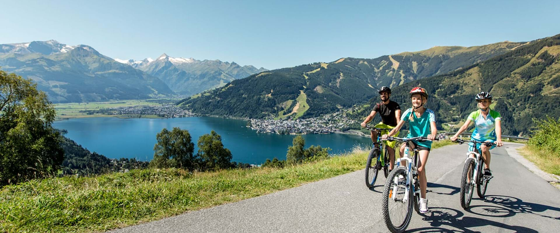 Biking with a view to Zell am See